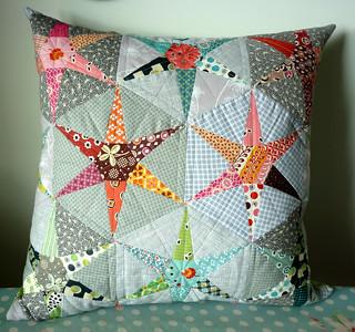 Hexiestars cushion