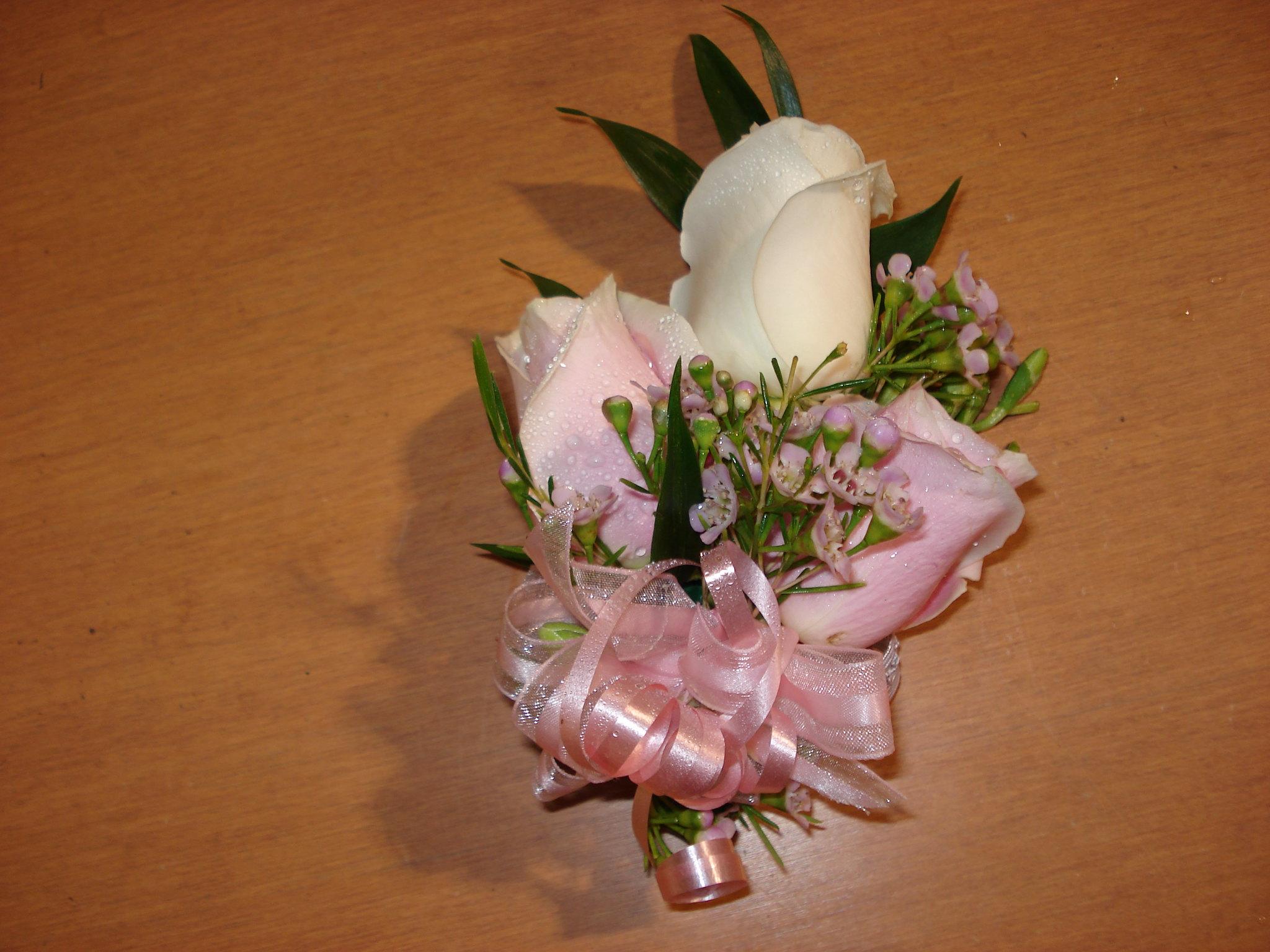 Farah Florist W-CB-8.     $15-20