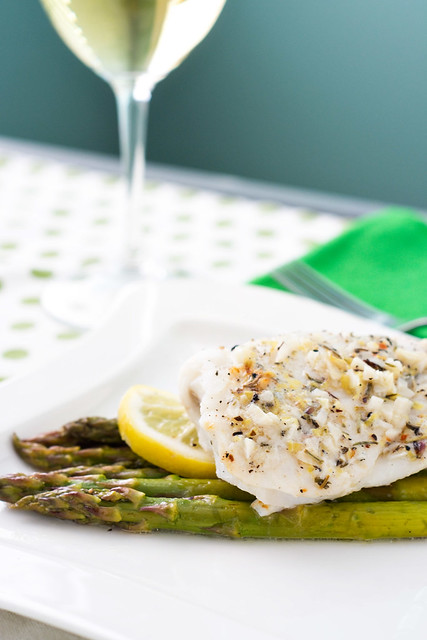 Foil baked fish with lemon and asparagus cook like a for Fish and asparagus