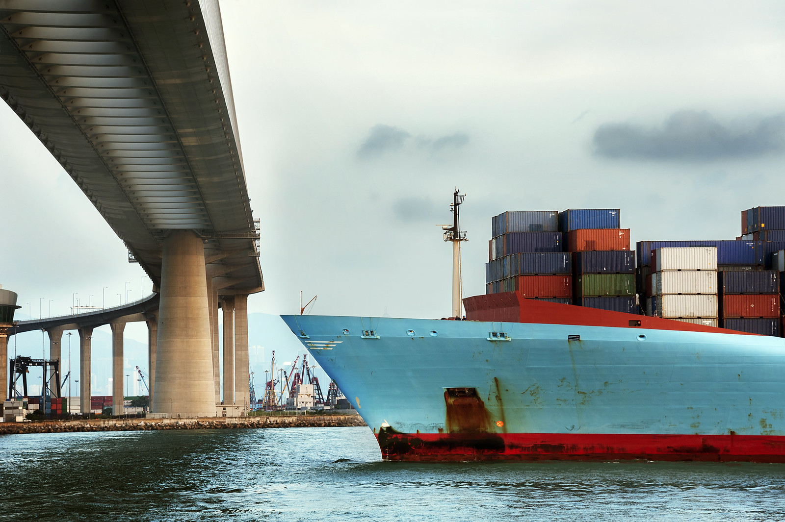 Shipping / containerskip Foto Thinkstock