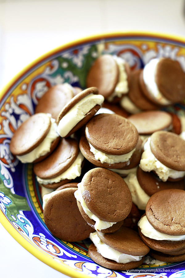 gingersnap ice cream sandwiches in a party bowl