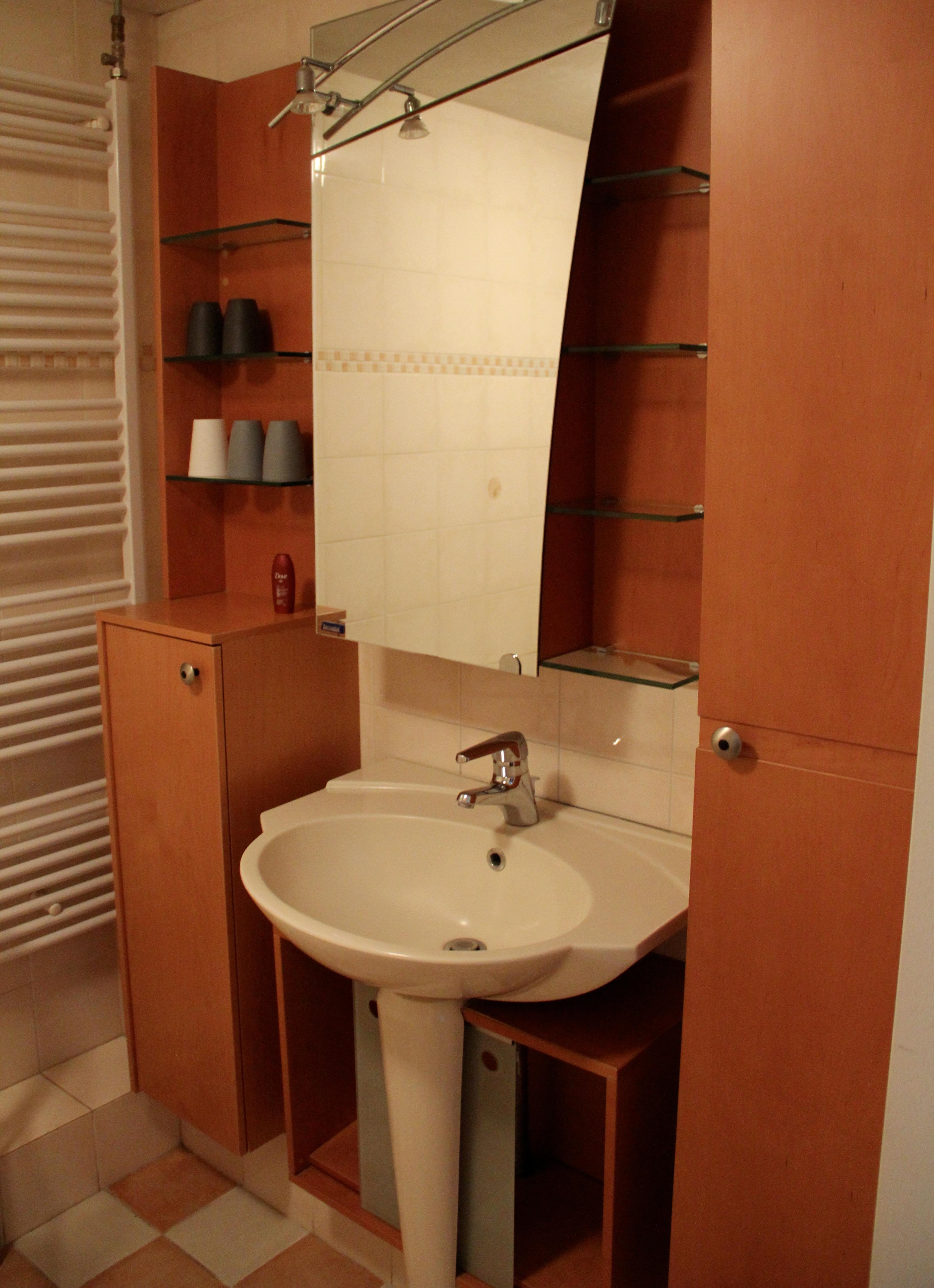 Alugando apartamento na P.C. Hooftstraat em Amsterdam: veja como foi! #2F0E04 3456x4767 Banheiro Casal Dois Vasos