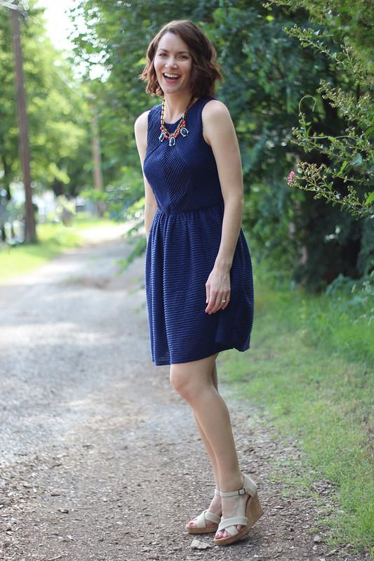 blue-dress-blue-orange-necklace-1