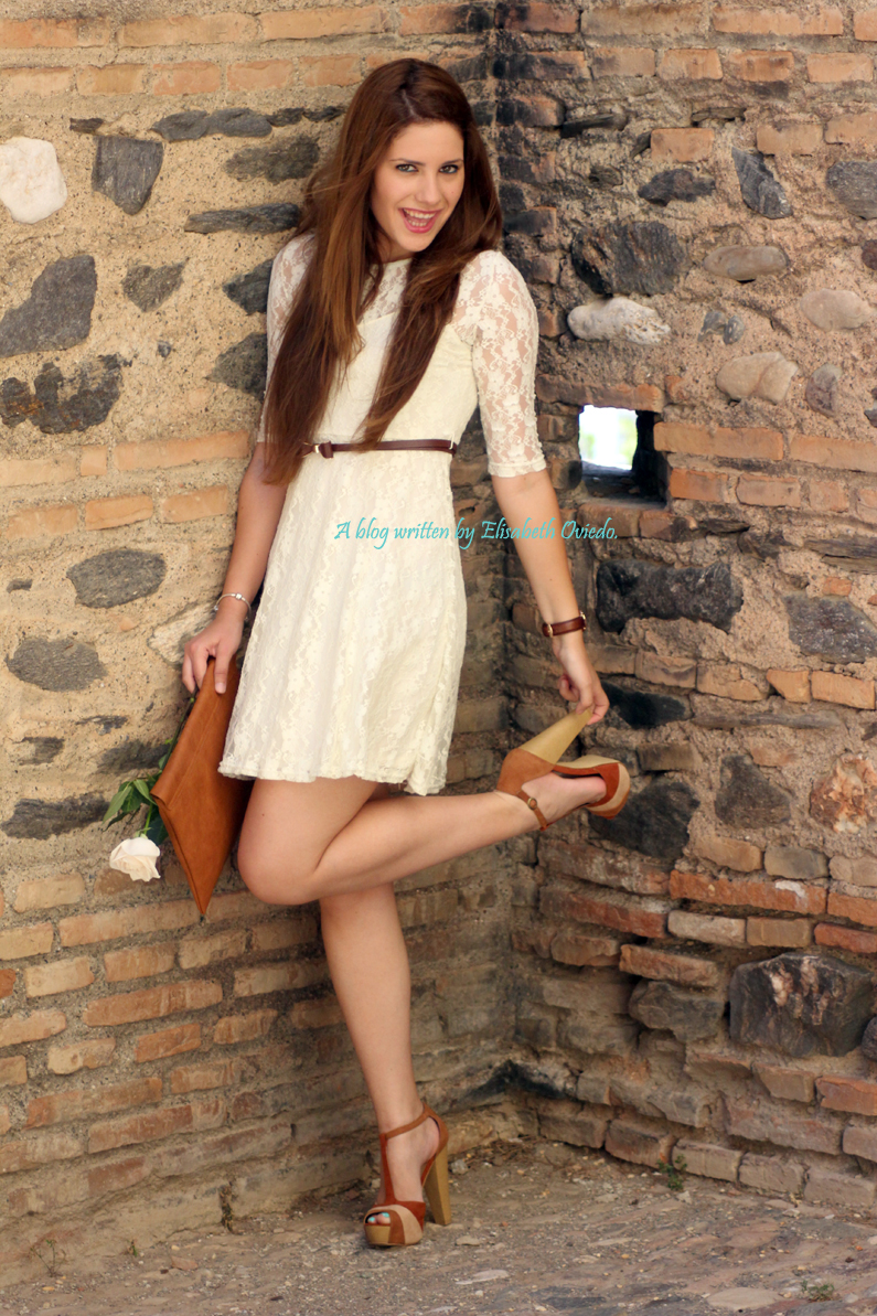 vestido-encajes-blanco-primavera-verano-clutch-pull-and-bear-HEELSANDROSES-(10)