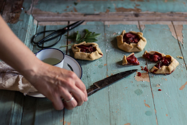 Local Milk x Little Upside Down Cake Portugal Styling & Photography Workshop | Strawberry Galette