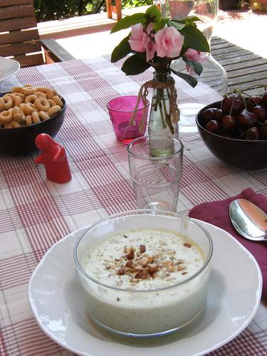 Tarator - Bulgarian Cucumber & Yogurt soup
