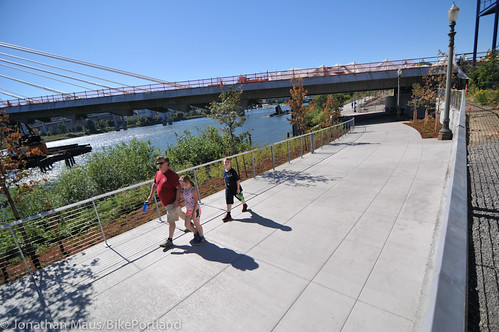 New Eastbank path under Tilikum Bridge -15