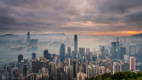 sunrise hongkong dawn cityscape central hongkongisland victoriaharbour