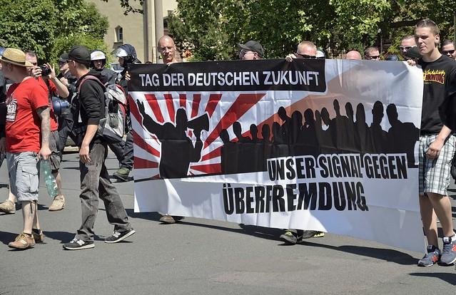 """07.06.2014 """"Tag der deutschen Zukunft"""" Demo in Dresden und Gegenproteste"""