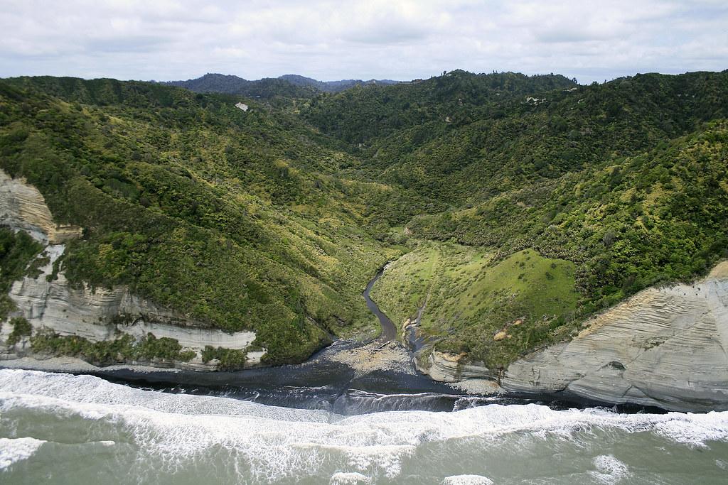 Waipingau Stream mouth