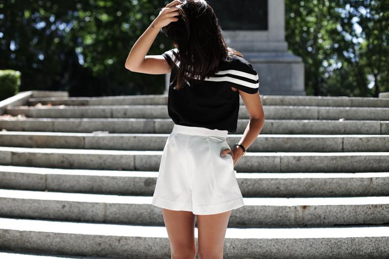 white-shorts-008