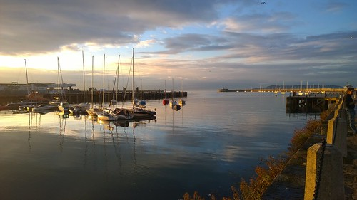 Evening in Dún Laoghaire. by despod