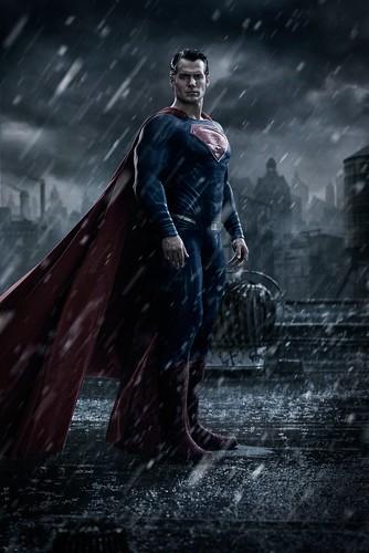 140725(2) -「班」蝠俠的大臉PK超人的全身、2016年電影《BATMAN v SUPERMAN DAWN OF JUSTICE》(蝙蝠俠對超人:正義曙光)公開SDCC海報! 2