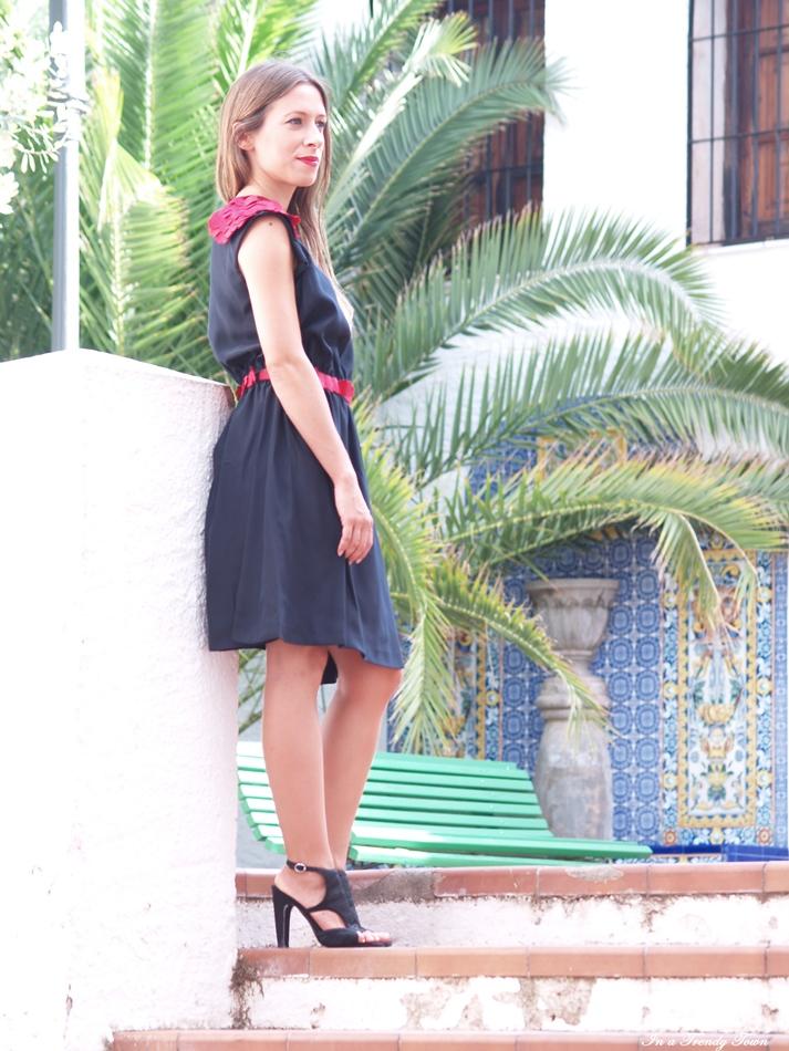 II RED ROSE BY ANTIA FERREIRO