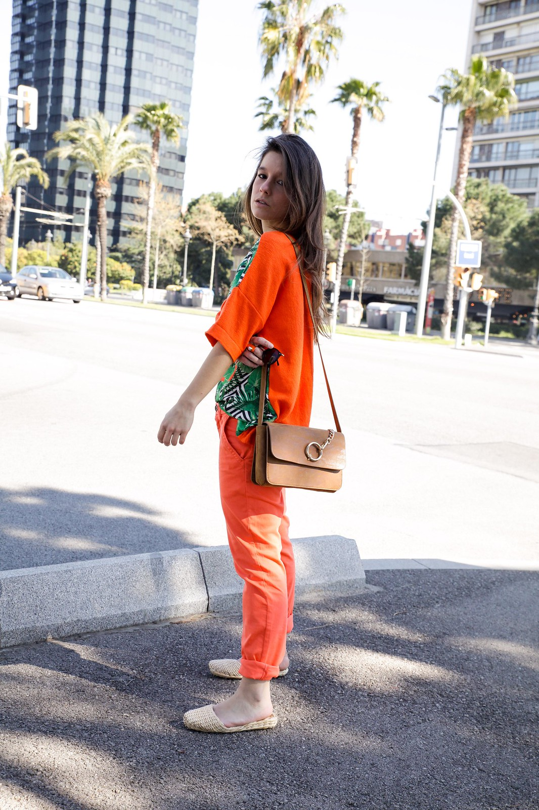 05_tropical_outfit_must_have_orange_skinny_inspo_look_theguestgirl_barcelona