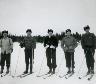 Hiihtopartio Mikkelinsaarilla talvella 1951