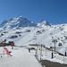 Schwarzee a pohled na kabinku Matterhorn Express, která odsud pokračuje na Trockener Steg