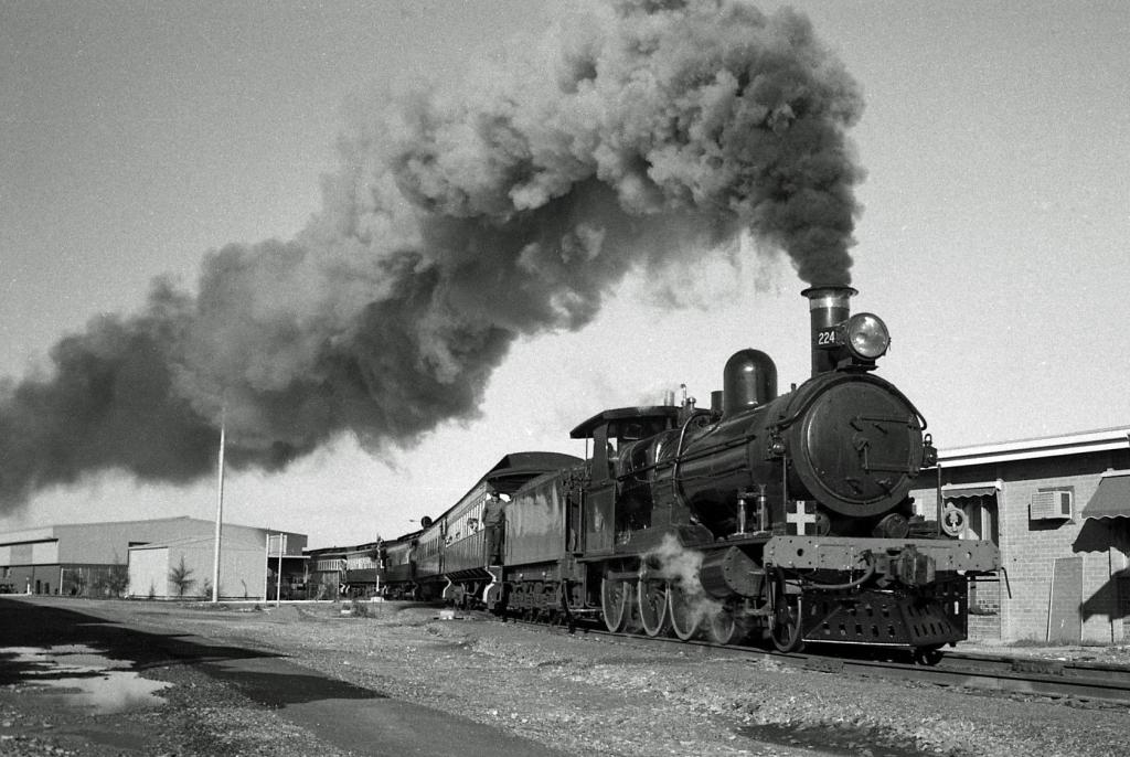 Full steam ahead by Henk Graalman
