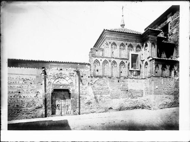Palacio de Inés de Ayala a comienzos del siglo XX. Fotografía de J. Lacoste © MECD, Fototeca del IPCE, signatura VN-22663_P