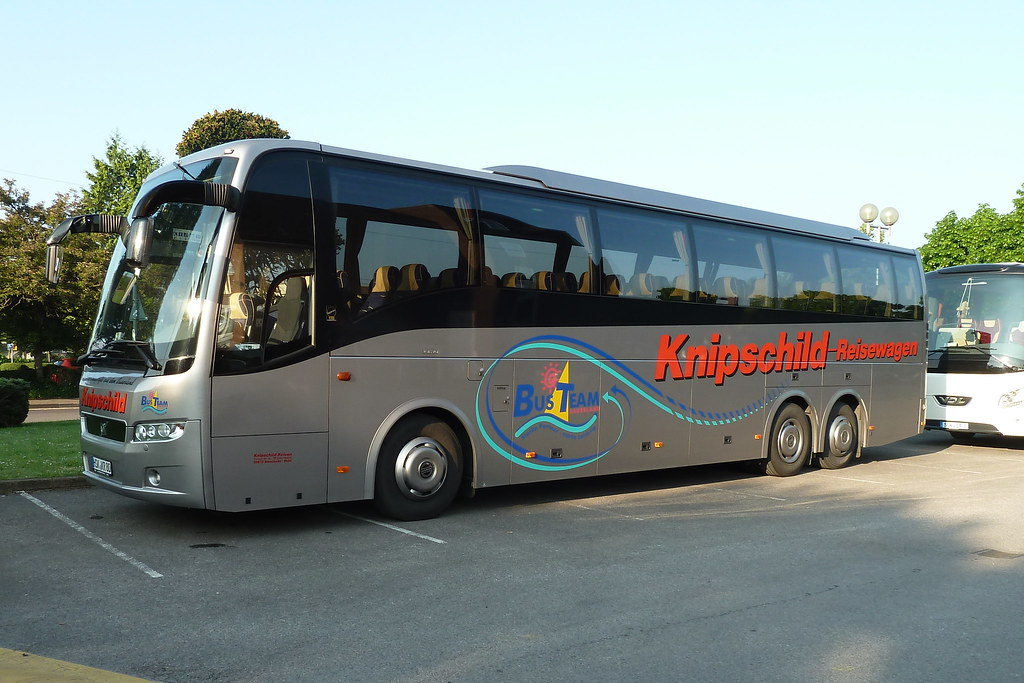 Volvo 9900 | Getting up early for a healthy swim is made or