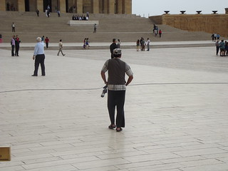 Anıtkabir 的形象. people cloud man turkey interesting fuji fujifilm turks ankara turkish türk atatürk anıtkabir s2980