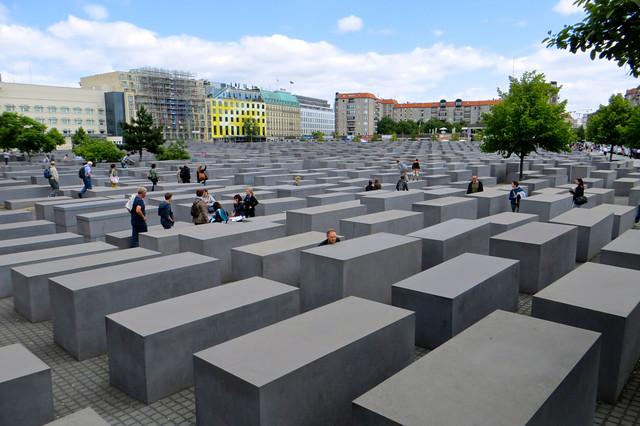 Öldürülen Avrupa Yahudileri Anıtı