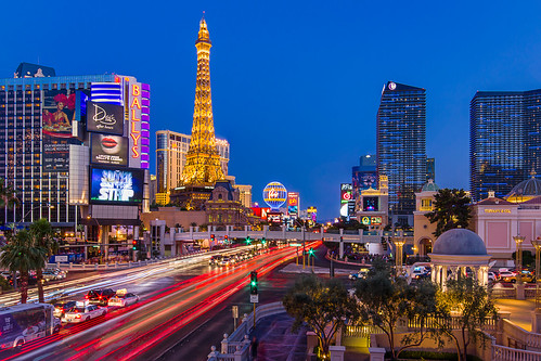 city longexposure light paris car skyline night landscape cosmopolitan downtown cityscape lasvegas nevada clear strip hollywood planet bellagio caesarspalace bluehour ballys aria pedestrianbridge traffictrails