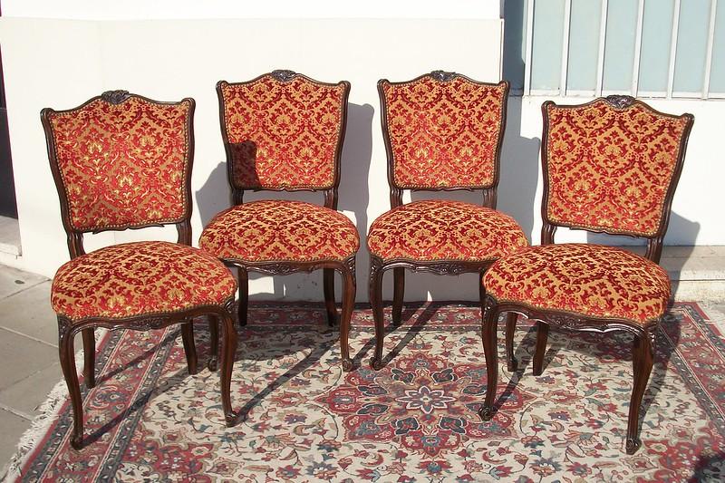 Antiguas sillas estilo luis xv frances sala living comedor for Sillas antiguas tapizadas modernas