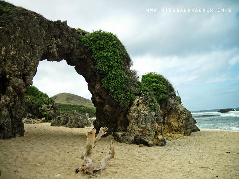 Nakabuang Arch
