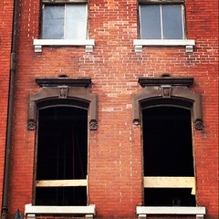 Well ventilated room #ygk #construction #brickwall #windows