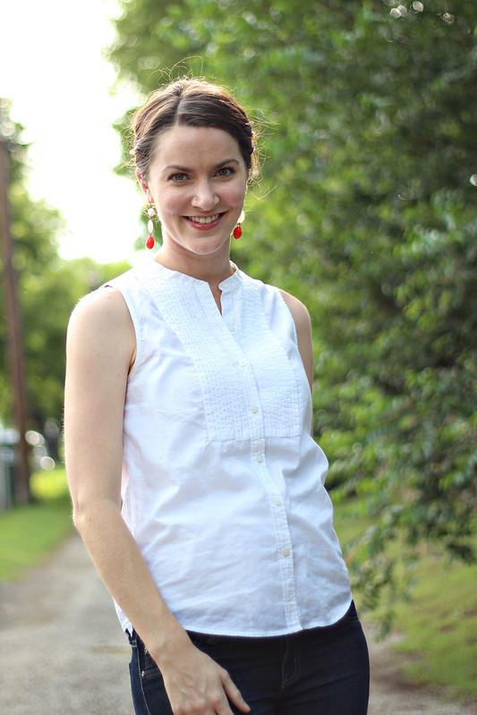 white-tank-blouse-jeans-4