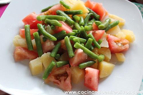 Ensalada de patata, tomate y judías verdes www.cocinandoentreolivos (10)