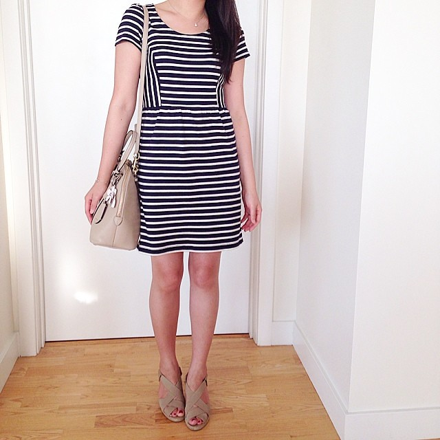 The many stripe dresses of @loftgirl. ✌️They have a lot.