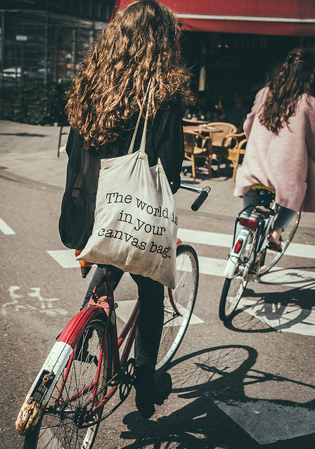 The Canvas Tote Rolling Spoke