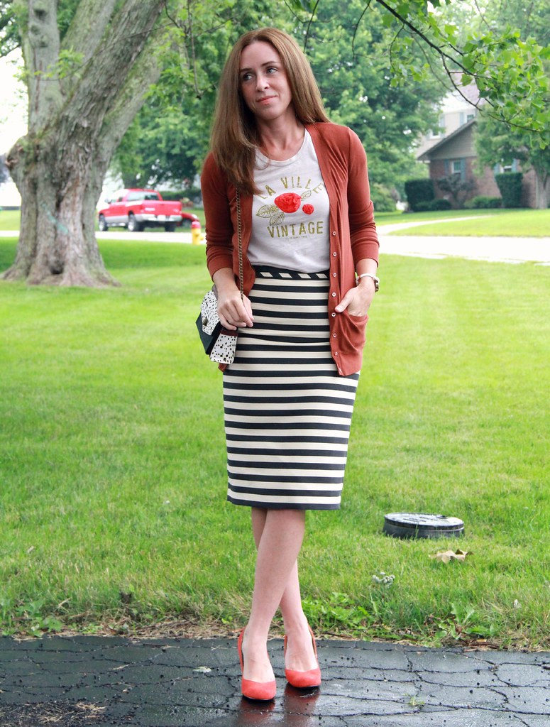 how to style a midi pencil skirt via Kristina J blog