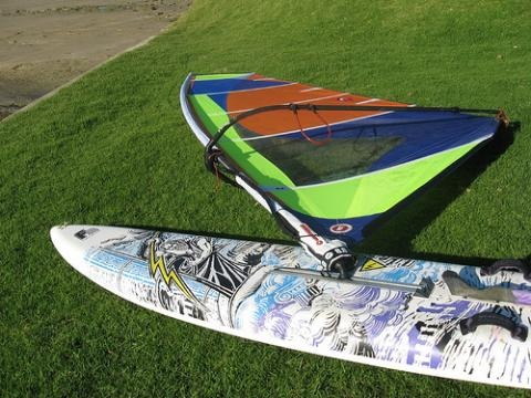 F2 Lightning AC (Page 1) — Longboard surfboard sailing and surfing