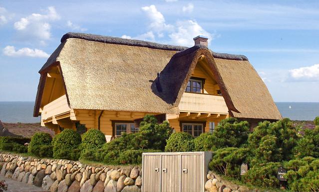 Sylt blockhaus amrum log home cabin hersteller holzhaus reetdach villa