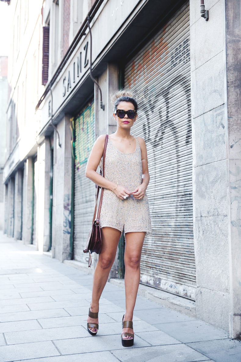 Daytime_Sequins-Gold_Jumpsuit-Zara-Street_Style-Collagevintage-22