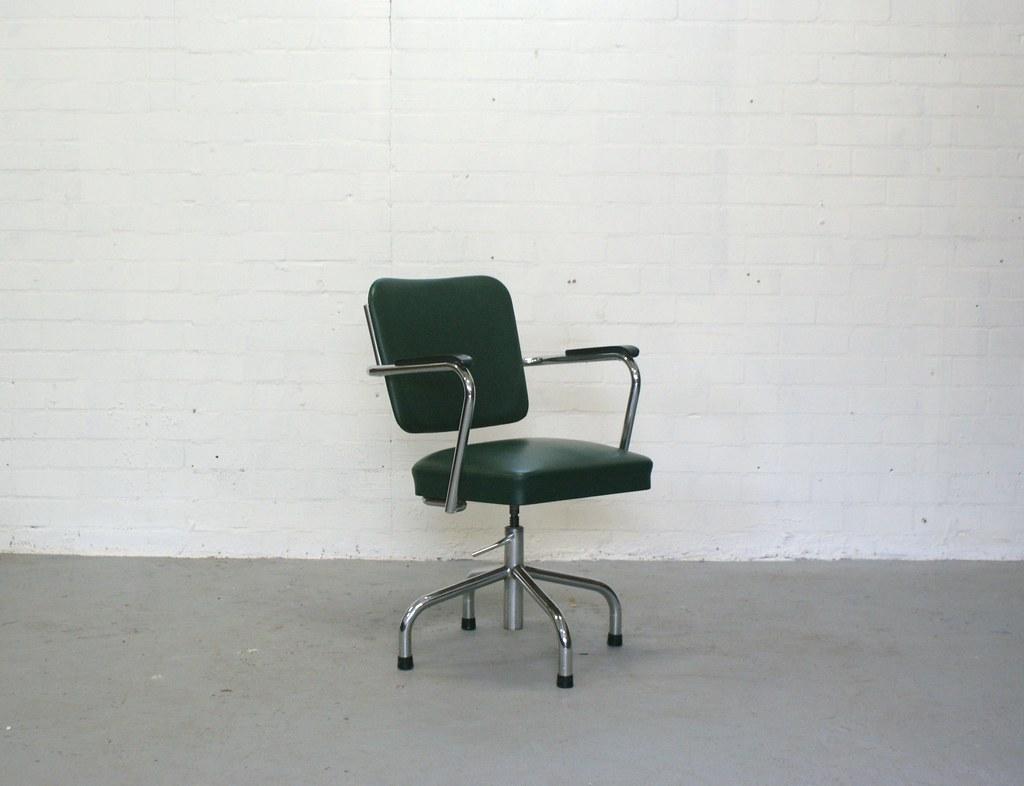 Bureaustoel retro excellent bureaustoel uloft cubeu zwart for Bureaustoel vintage