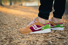 "Saucony x End Shadow 5000 ""Burger"""