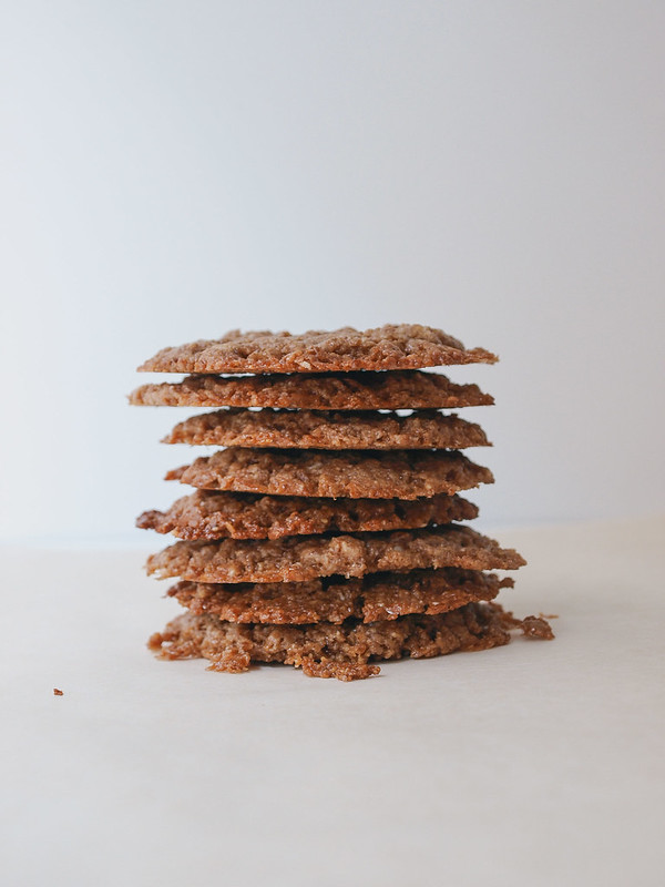 ALMOND BUTTER COOKIES (4 Ingredients)