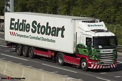 Scania G400 4x2 Tractor with 3 Axle Refrigerated Curtainside Trailer - PE60 OCG - Kay - Eddie Stobart - M1 J10 Luton - Steven Gray - IMG_8063