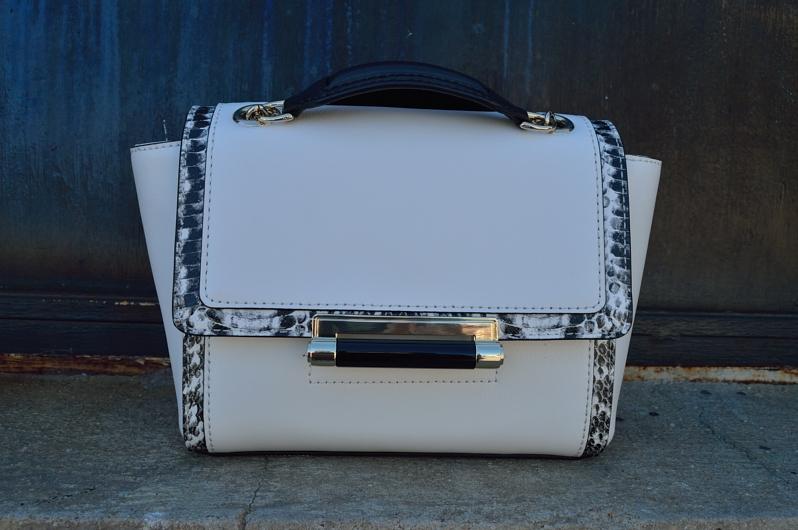 lara-vazquez-madlula-blog-style-white-dvf-bag