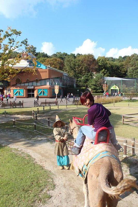 Rebecca Saw - riding camel - Everland Korea