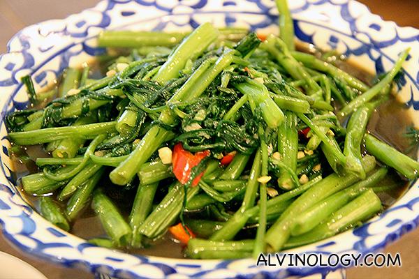 Stir Fried Kai Lan (S$8.90) - Crunchy with garlic and oyster sauce
