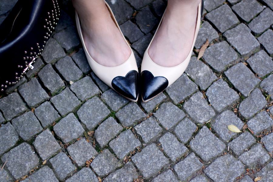 Zinda heart ballet flats spain shoes Lancaster Betty bag black and white summer outfit OOTD look Ricarda Schernus Berlin Blogger 3