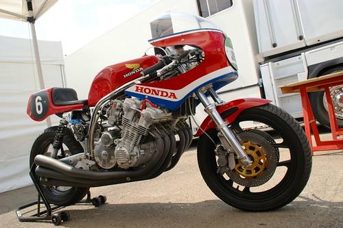 Elle respire la santé, la Honda 1000 CBX 1980 de Christophe Dumont !
