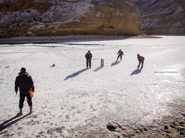 Cricket on Frozen River !!