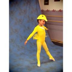 Mercredi 25 juin - ma danseuse se fait photographier dans un des costumes du gala