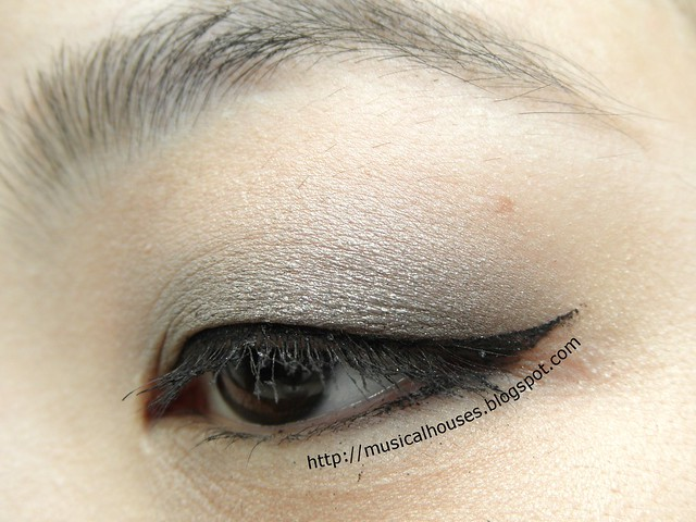 Benefit Theyre Real Push Up Liner EOTD 1